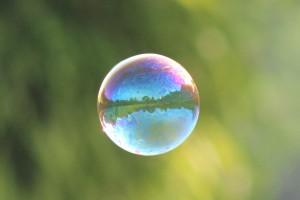 1381916 89731304 300x200 Bubbles